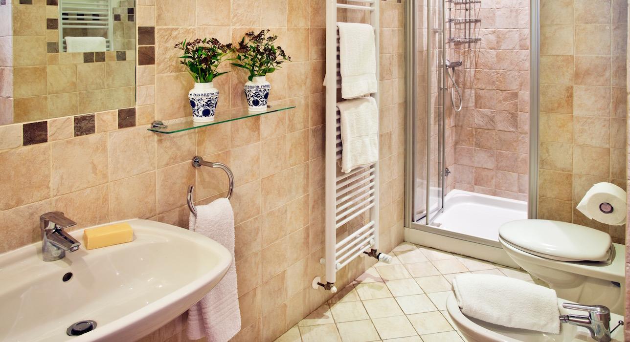 leopard-bathroom-casal-dei-fichi-marche