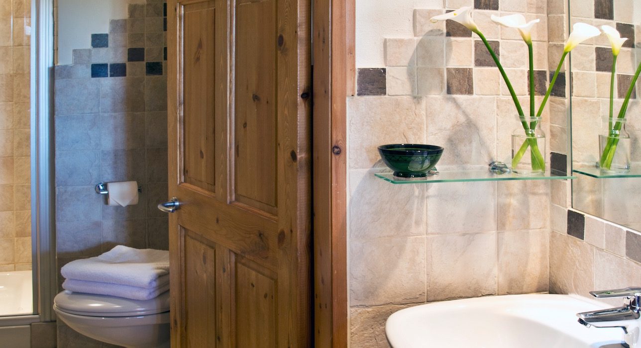 orsini-bathroom-casal-dei-fichi-marche