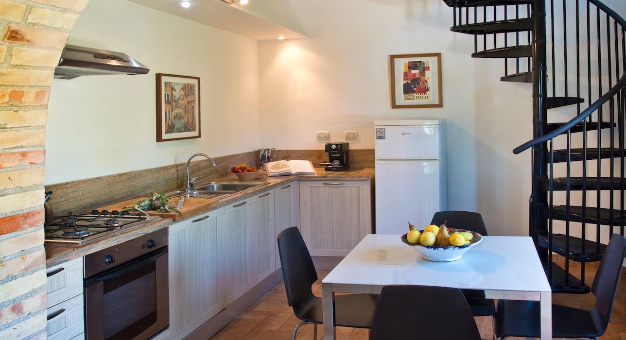 ricci-marche-casal-dei-fichi-kitchen-1